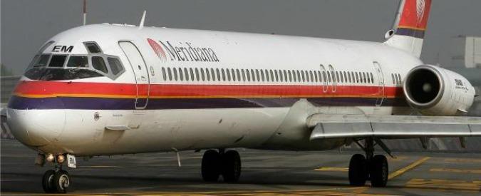 aereo della meridiana che perde la ruota